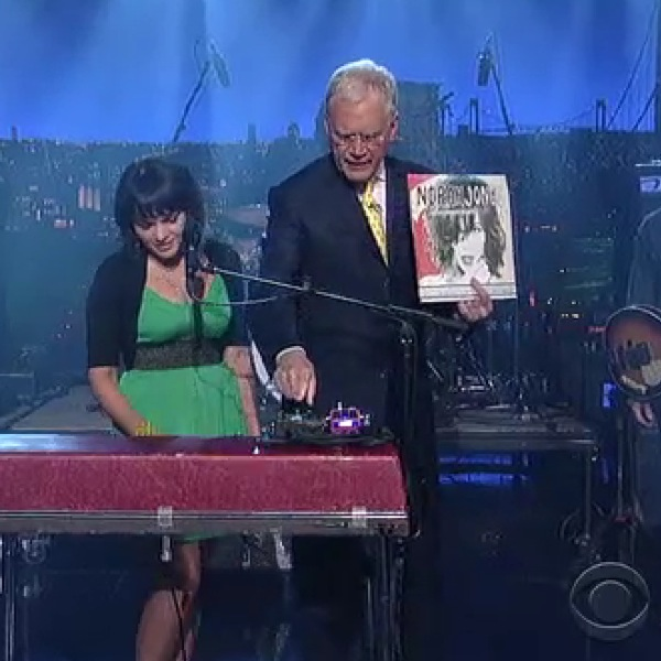 norah jones letterman1 Video: Norah Jones on Letterman
