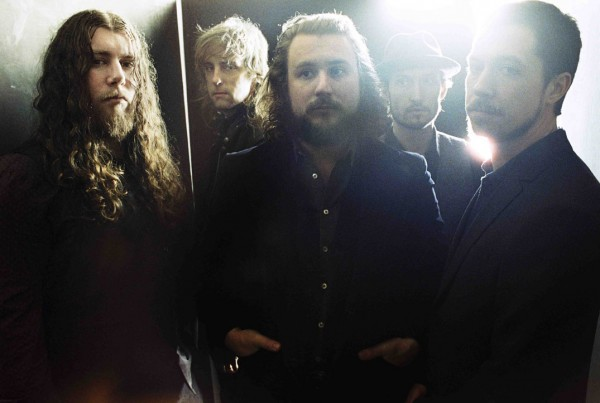 my morning jacket e1361911797300 Listen to My Morning Jackets cover of John Denvers Leaving On A Jet Plane