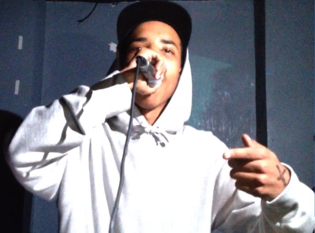 Earl live