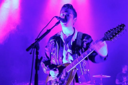 img 4175 Live Review: Arctic Monkeys, Twin Peaks at Chicagos The Riviera (9/23)