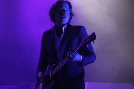 img 4229 Live Review: Arctic Monkeys, Twin Peaks at Chicagos The Riviera (9/23)