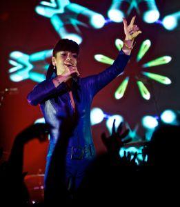 lily allen robert altman 06 Lily Allen Performs in NYC