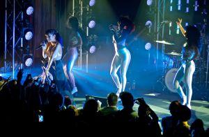 lily allen robert altman 09 Lily Allen Performs in NYC