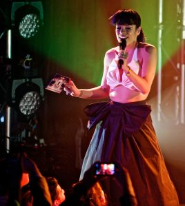 lily allen robert altman 20 Lily Allen Performs in NYC