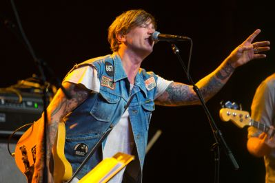 Butch Walker // Photo by Philip Cosores