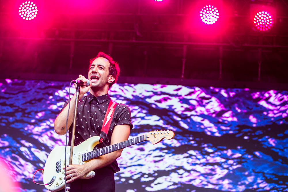 02 albert hammond jr cosores Albert Hammond Jr. details the Origins of his new Fast Times music video: Watch