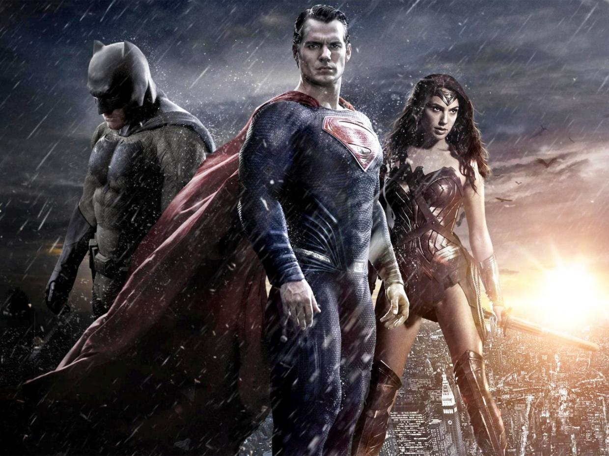 pg 11 dawn of justice batman superman Should Warner Bros. Have Waited Before Confirming Zack Snyder for Justice League?