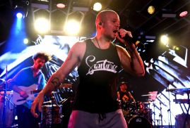 Residente // Photo by Tim Mosenfelder