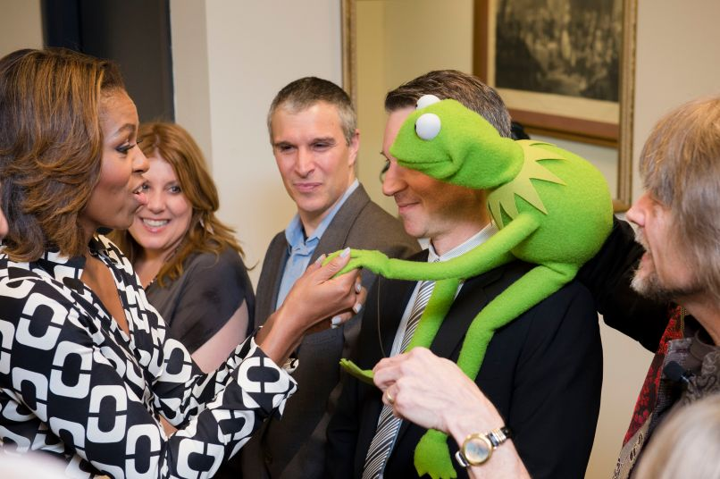 kermit meeting michelle obama 13115348623 Jim Henson Is Rolling in His Grave