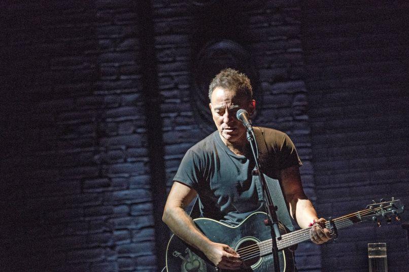 13springsteen2 superjumbo Live Review: Bruce Springsteen on Broadway