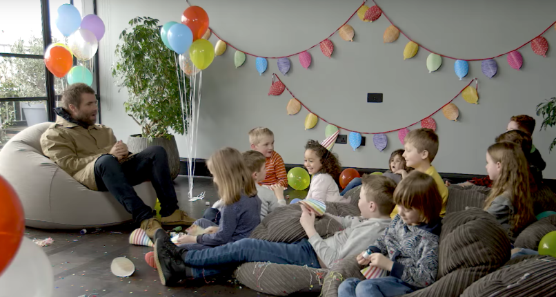 Liam Gallagher getting quizzed by kids