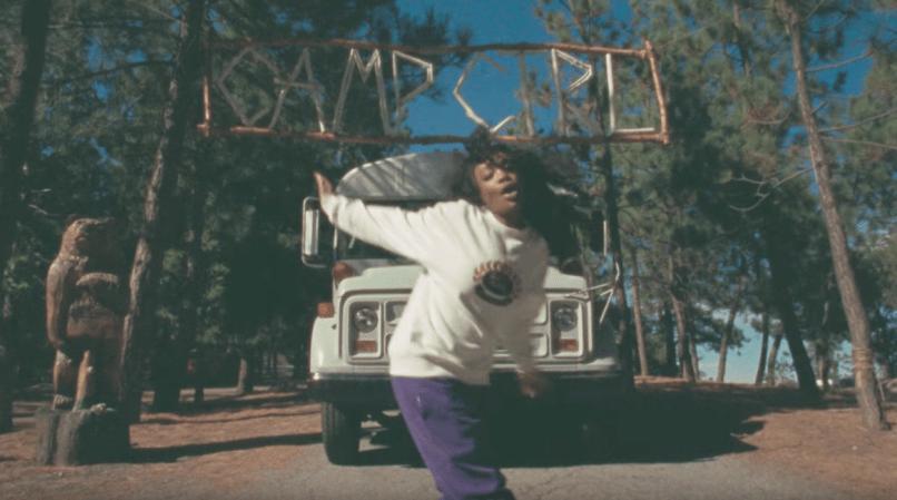 "SZA in the ""Broken Clocks"" video"