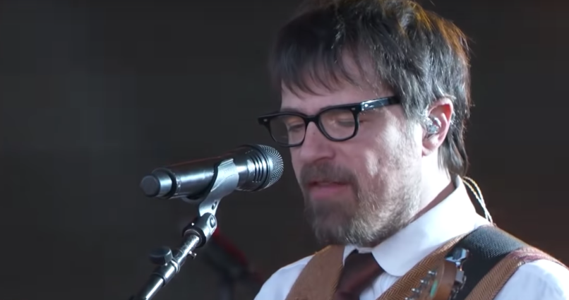 """Weezer cover """"Africa"""" on Jimmy Kimmel Live"""