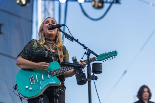 Melissa Etheridge, photo by Alive Coverage