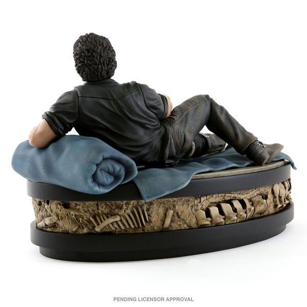Jurassic Park Ian Malcolm Jeff Goldblum Statue 3
