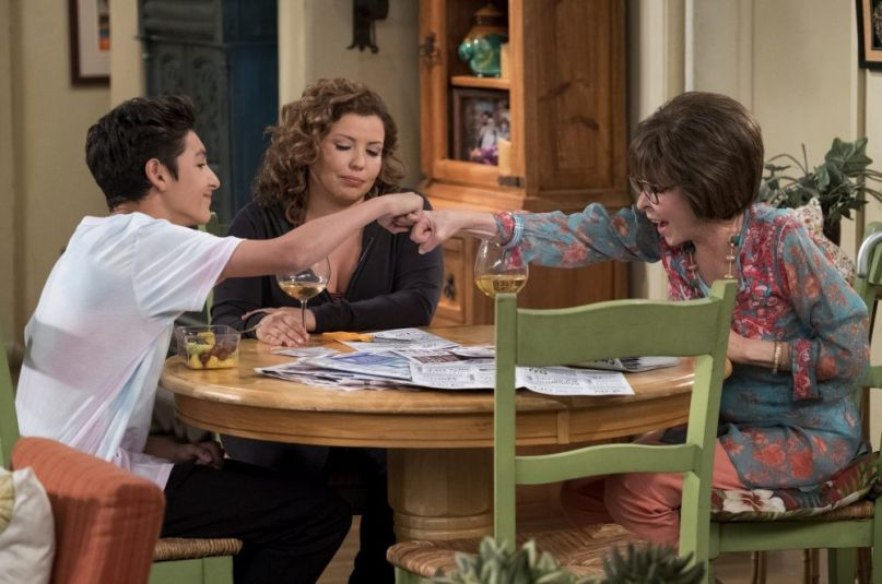 one day at a time netflix season 3 series