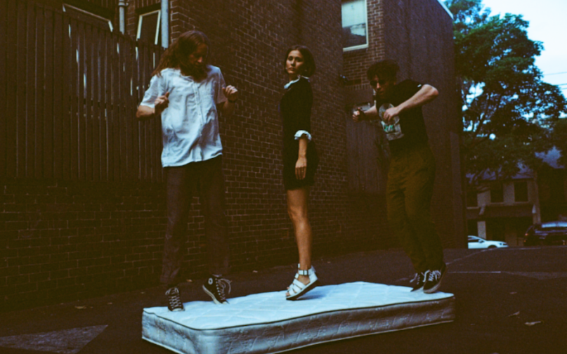 """Middle Kids announce new EP New Songs For Old Problems, share """"Real Thing"""", photo by Maclay Heriot"""