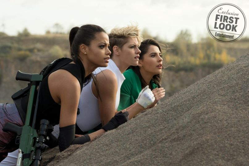 Elizabeth Banks, Kristen Stewart, Ella Balinska, Naomi Scott, Charlie's Angels First Look Photos, screengrab from Entertainment Weekly