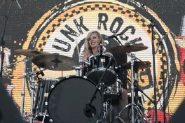 The Darts at 2019 Punk Rock Bowling Festival