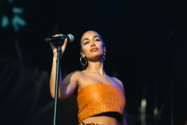 Jorja Smith, photo by Julia Drummond Governors Ball 2019