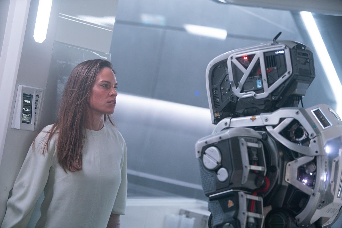 i am mother netflix sci-fi movie hilary swank rose byrne