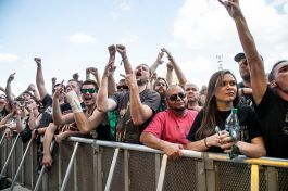 Festival goers at Louder Than Life
