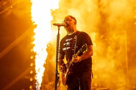 Staind at Louder Than Life