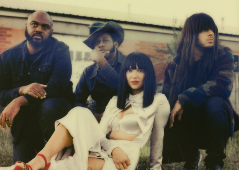 Khruangbin Leon Bridges C-Side