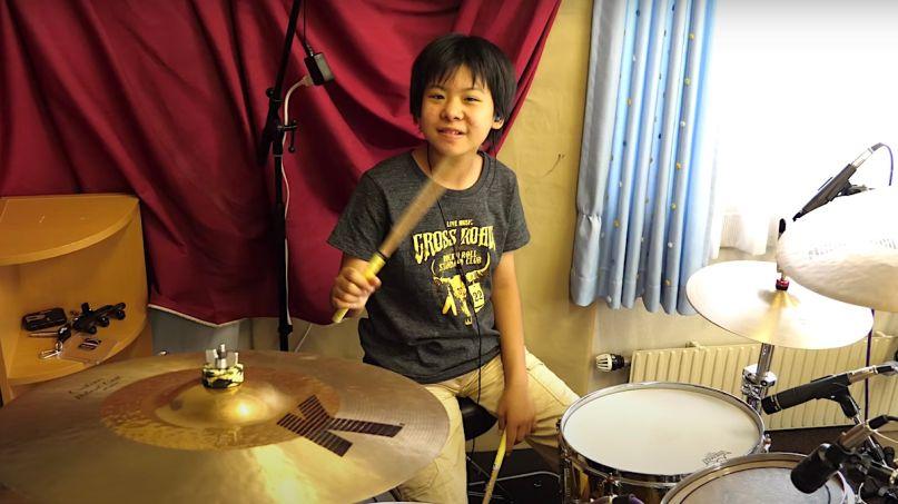 Yoyoka plays Rush YYZ