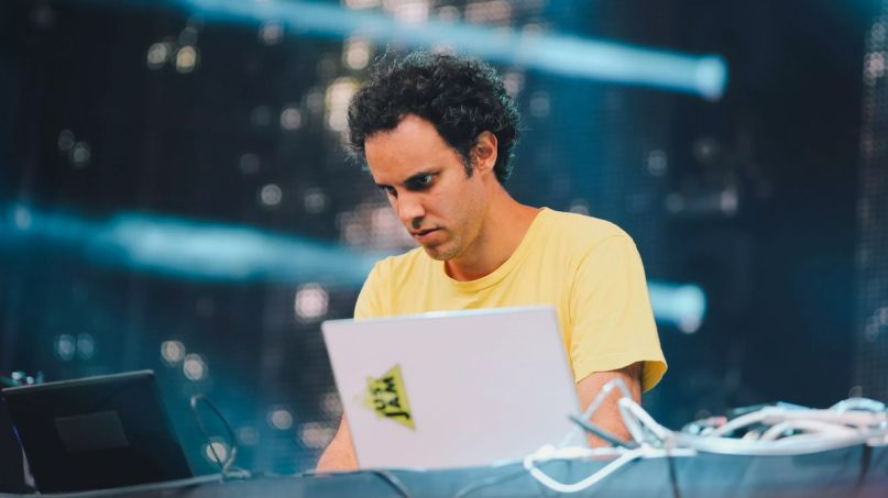 four tet two new albums parallel 871 stream